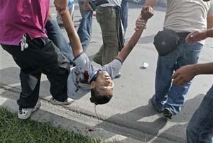 20090708180148-honduras-represion7.jpg
