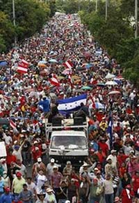 20090708180554-honduras-represion18.jpg
