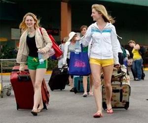 20121108090818-turistas-llegan-cuba.jpg