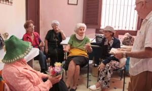 20150826231344-ancianos-cuba-2015.jpg