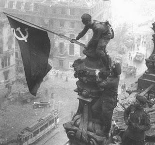 20130509151207-reichstag-bandera-de-la-urss.jpg