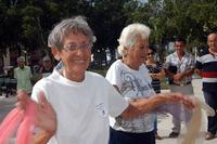 20141001161333-ancianos-circulo-abueelo.jpg