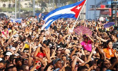 20151216152235-jovenes-cubanos.jpg