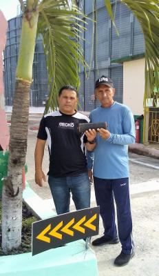 20200202120427-innovacion-rodillo-las-tunas-emsil-rolando-reynaldo-gallardo-izq-coautor-y-omar-hernandez-garcia-autor-principal.jpg
